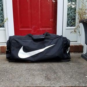 Nike XL Duffel / Equipment / Travel Bag - Black